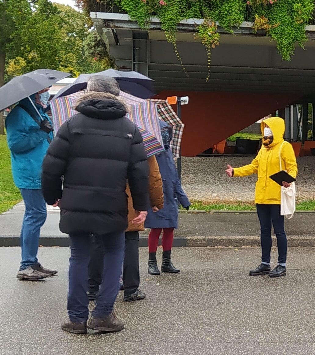 Des visites guidées du campus au soleil et sous la pluie !