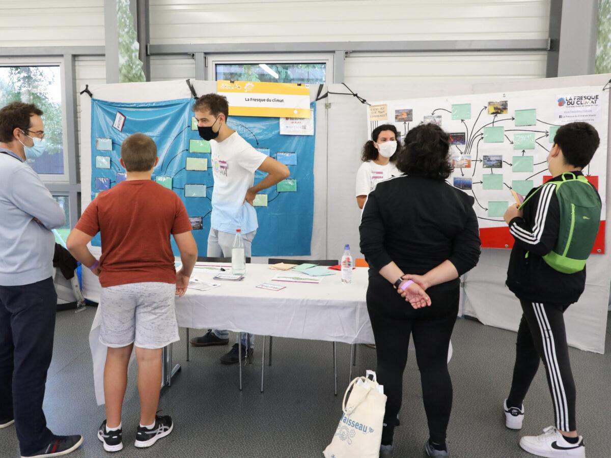 """Stand """"La fresque du climat"""" • Le campus fête la science ! • Campus de Cronenbourg, Strasbourg • Fête de la Science 2021 © Nicolas Busser, CNRS"""