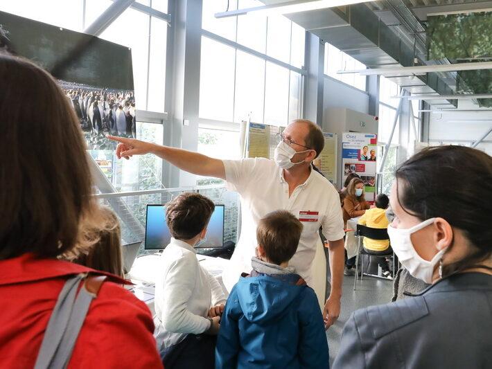 """Exposition """"Animaux polaires : une vie de scientifique"""" IPEV - Jean-Patrice Robin IPHC • Le campus fête la science ! • Campus de Cronenbourg, Strasbourg • Fête de la Science 2021 © Nicolas Busser, CNRS"""